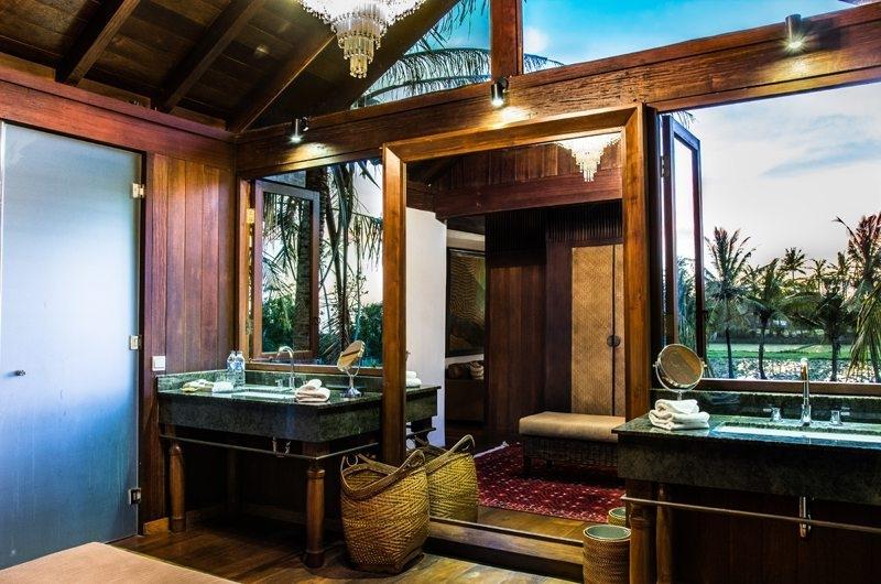 Jeeva Saba Estate En-Suite Bathroom, Gianyar | 8 Bedroom Villas Bali