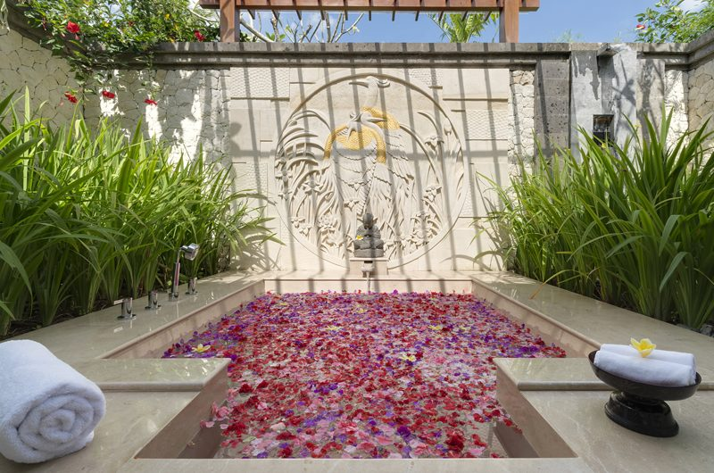 Kaba Kaba Estate Romantic Bathub Set Up, Tabanan | 8 Bedroom Villas Bali