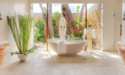 Lataliana Villas Bathtub, Seminyak | 8 Bedroom Villas Bali