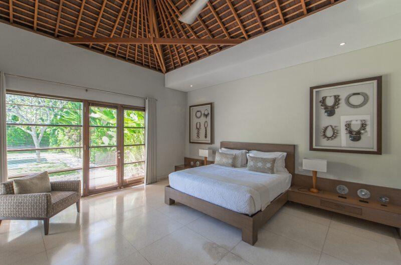 Nyaman Villas Bedroom with Seating Area, Seminyak | 8 Bedroom Villas Bali