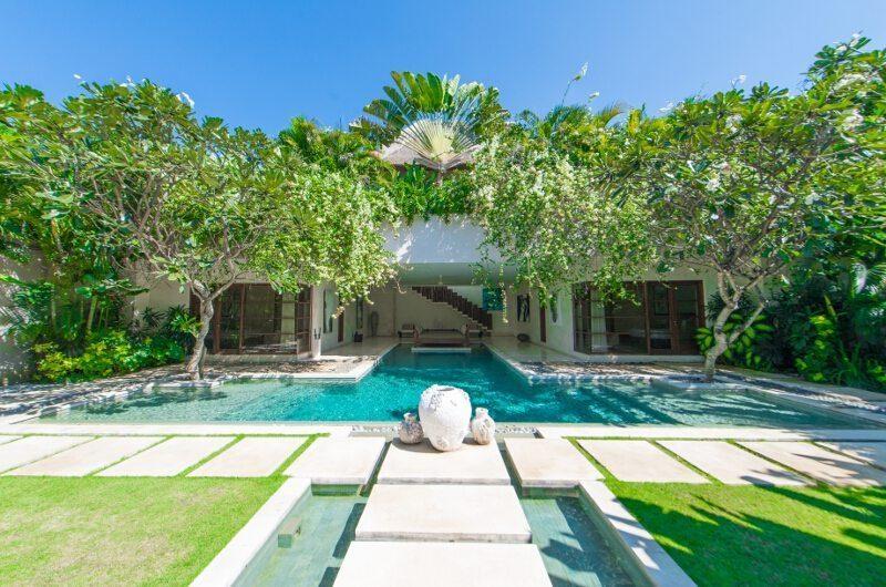 Nyaman Villas Gardens and Pool, Seminyak | 8 Bedroom Villas Bali