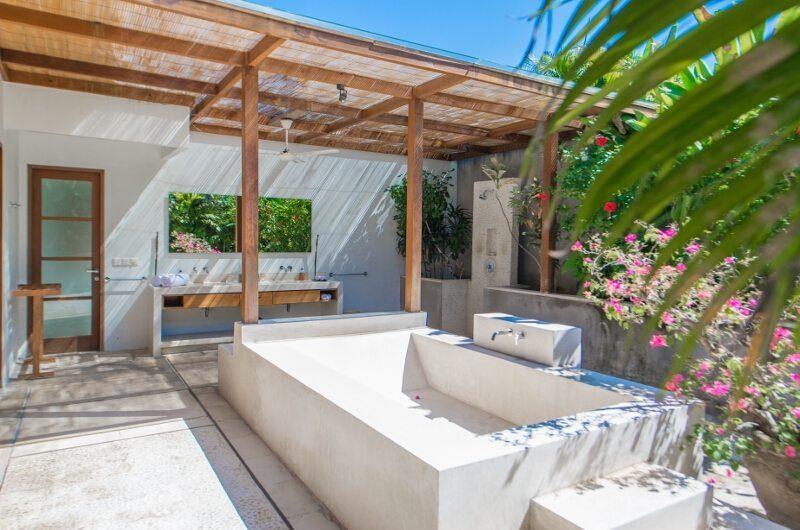Nyaman Villas Open Plan Bathtub, Seminyak | 8 Bedroom Villas Bali