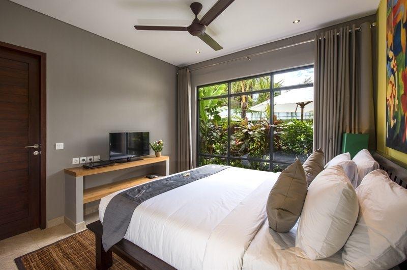 Villa Anam Bedroom with TV, Seminyak | 8 Bedroom Villas Bali