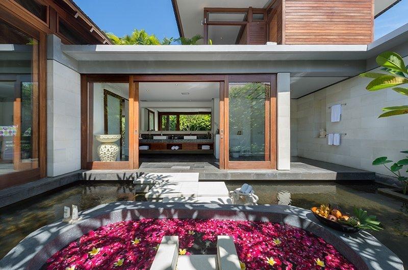 Bendega Villas Bathroom and Romantic Bathtub Set Up, Canggu | 8 Bedroom Villas Bali