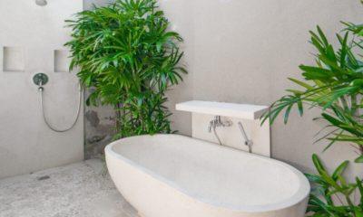 Villa Chocolat Bathtub, Seminyak | 8 Bedroom Villas Bali